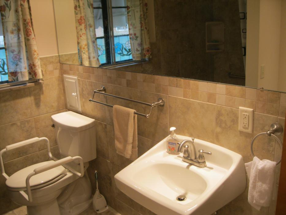 Wesson Builders Project Image - Accessible Bathroom